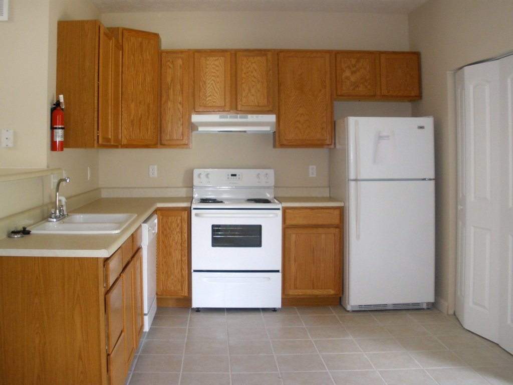 SUMMER SPECIAL.........VERY FEW LEFT! WHY PAY MORE FOR LESS??? RENT THE  BEST FOR LESS NOW!!! Currently Apartments Of This Quality Are $975 And Up .
